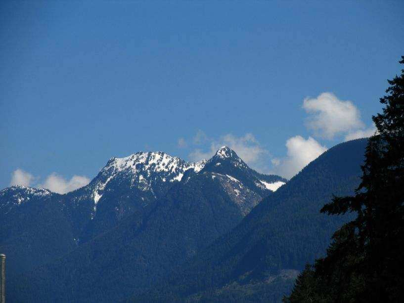 9721_mountains_at_horsehoe_bay