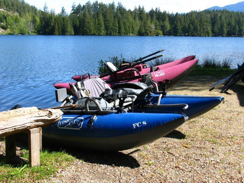 9766_boats_at_hotel_lake
