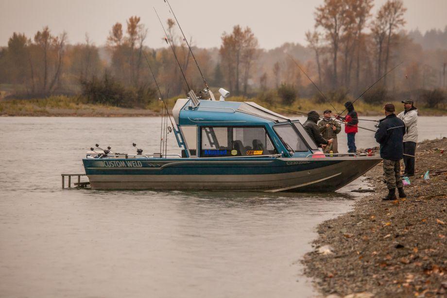 1841HL_anglers_at_Jet_Boat_HR