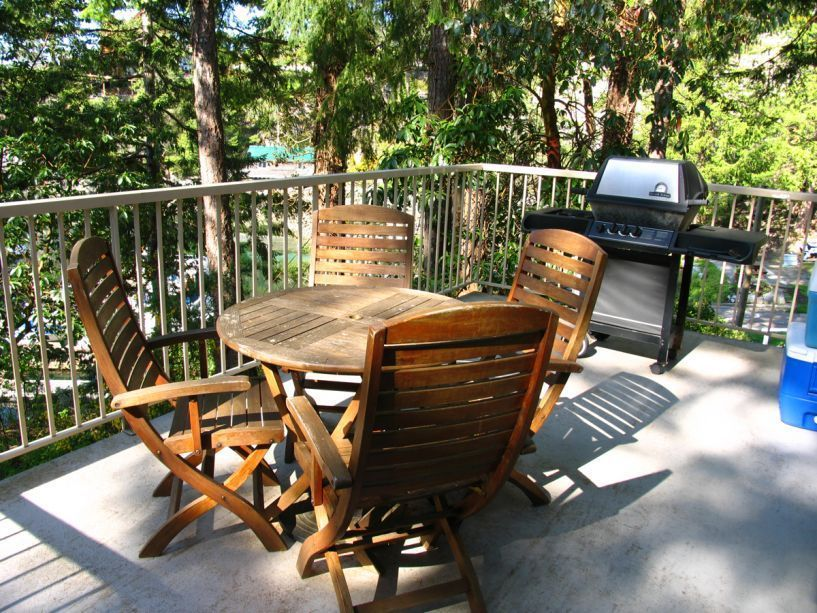 9758_Cottage_8_Deck