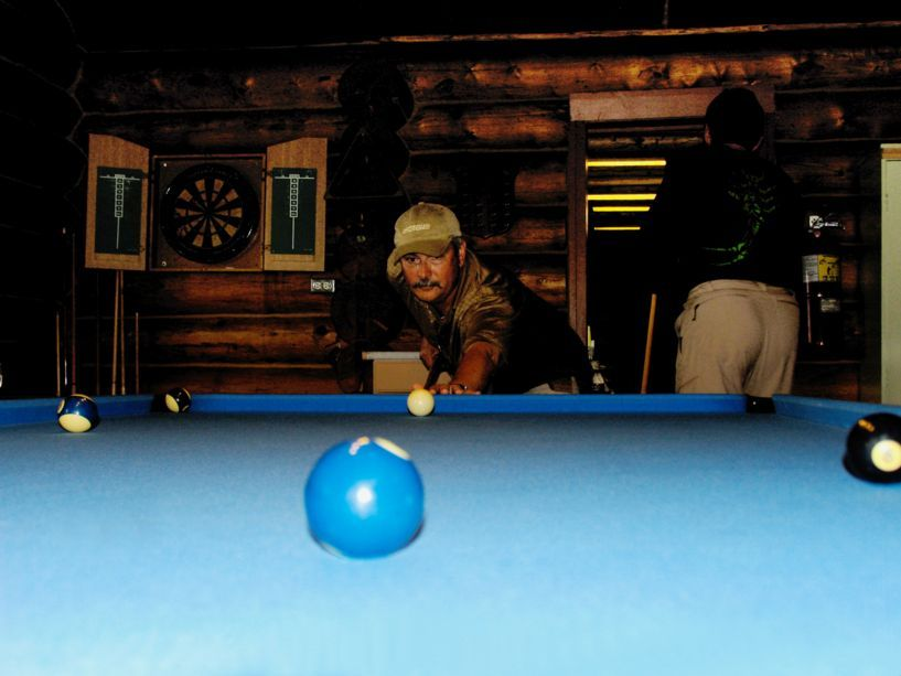 7492_chuck_v_playing_pool