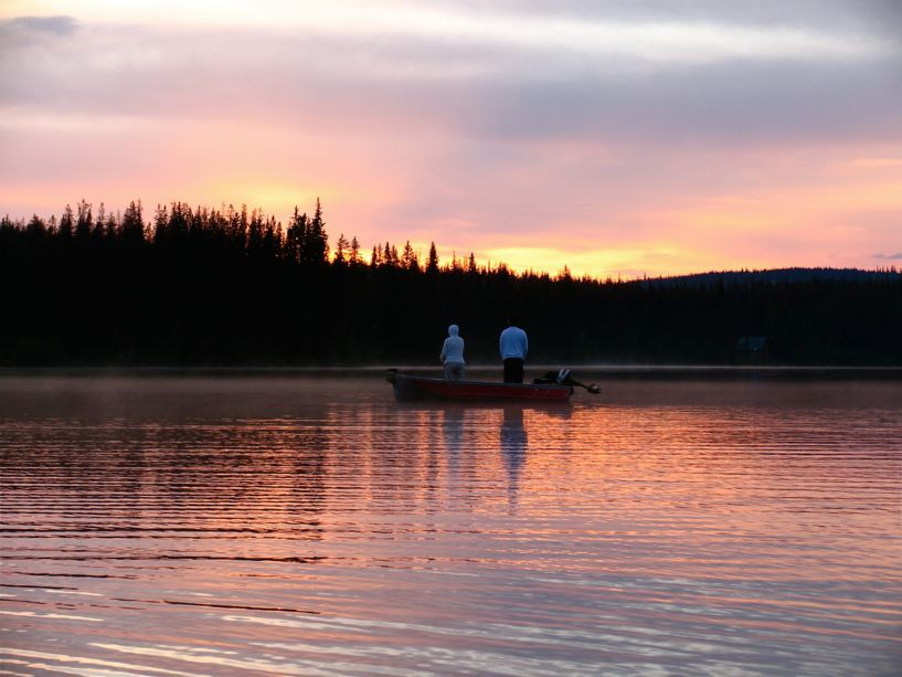 7499_fishing_at_sunset
